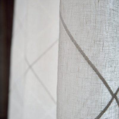 Tenda lino ricamo rombi all over